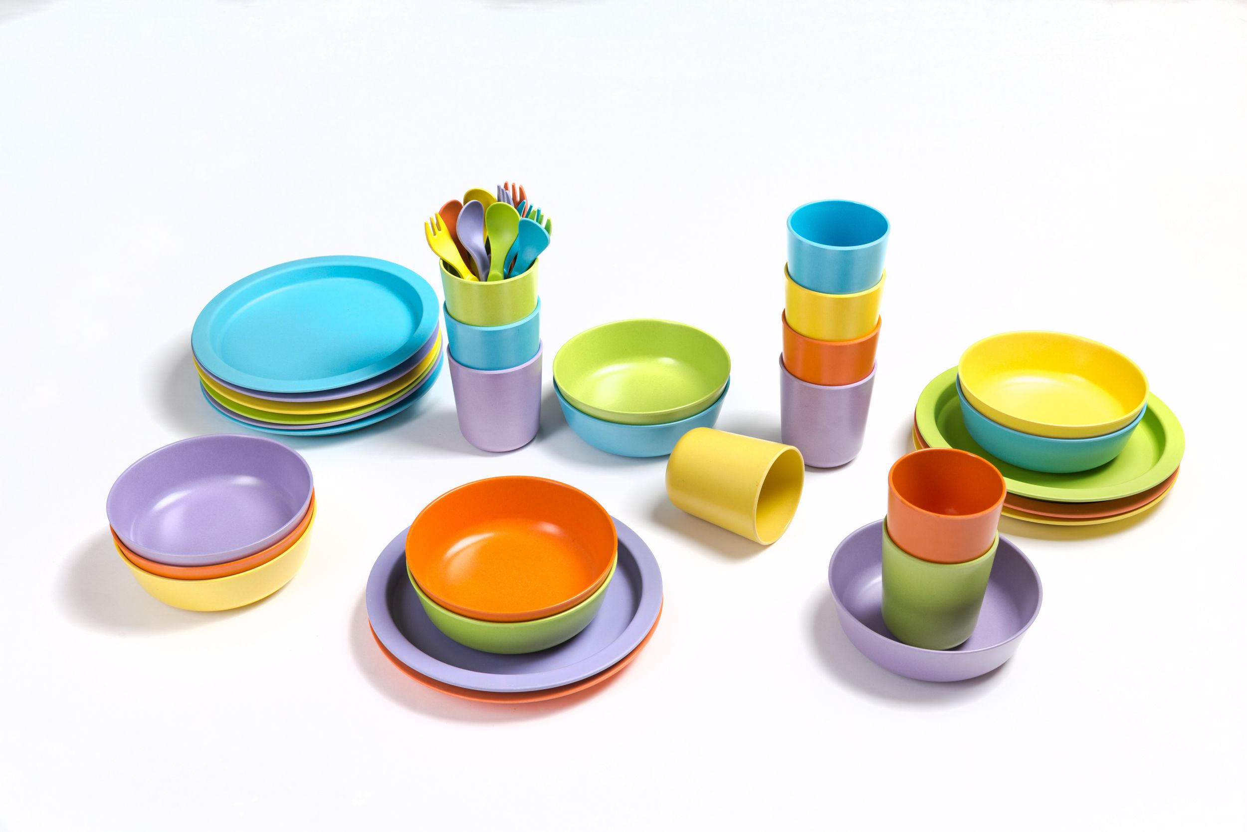 Isoboo Bamboo Bamboo Dinnerware For Children Available In Fun Colours Plastic Free Biodegradable Toxin With Images Biodegradable Products Kids Dinnerware Dinnerware