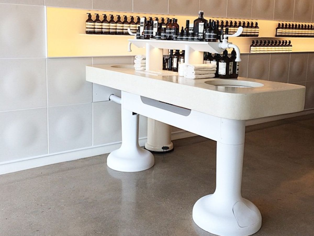 Aesop's Clean and Modern Skincare Shop Arrives on West