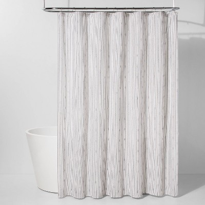 Lend Chic Impact To Your Bathroom With This Black White Textured