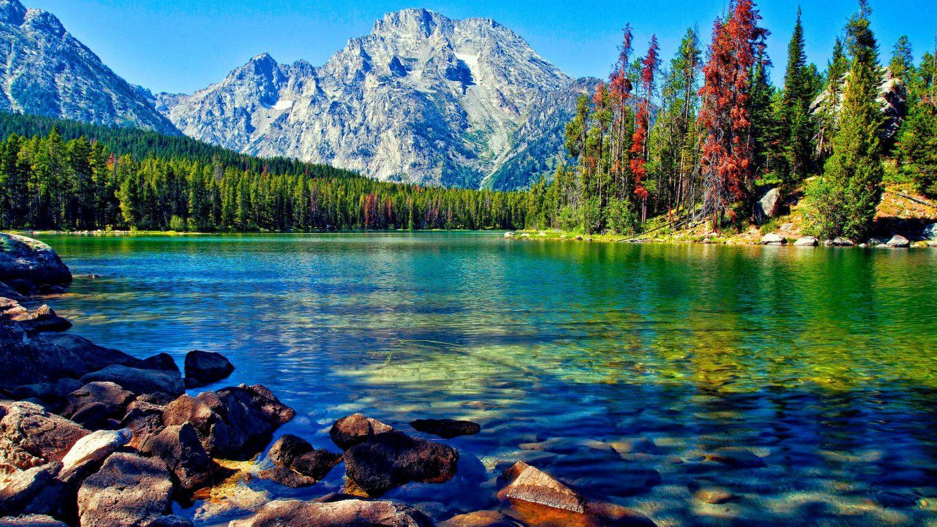 People Are Visited The Beautiful Lake In Every Year And They Are Feel Relaxe Description From Beautiful Places To Travel Beautiful Lakes Most Beautiful Places