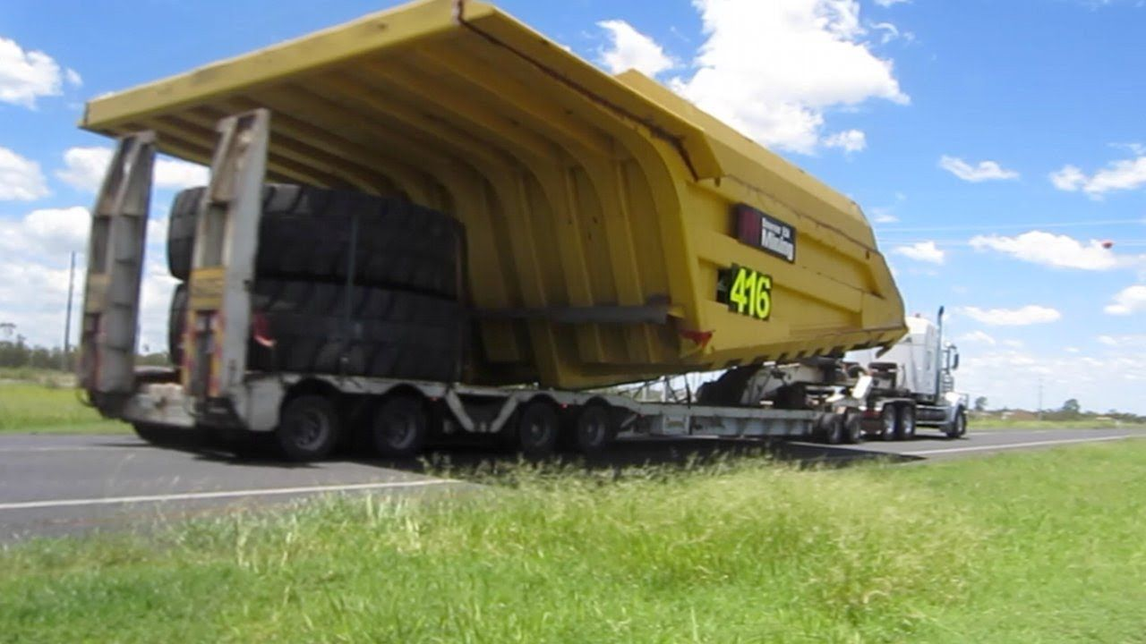 The biggest mechanically driven dump truck in the world industry tap