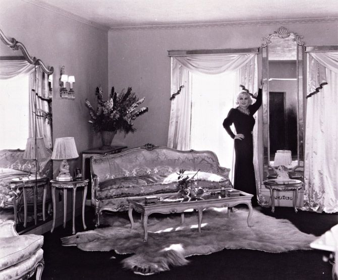 Mae West In Her Luxurious White And Gold Ravenswood Estate Hollywood
