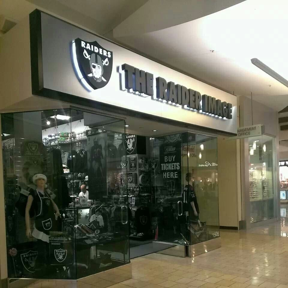 cheap for discount 1437f 28ec7 I must go to this store | Raider Nation | Raider nation ...
