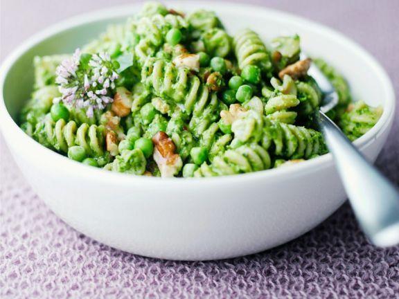 Pasta mit Erbsen-Walnuss-Pesto – Carey&CleanEatingS