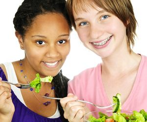 In Partnership With Let S Move Salad Bars To Schools And Cbs Atlanta The Atlanta Falcons Youth Foundatio Healthy Food Choices Healthy Diet Good Healthy Snacks