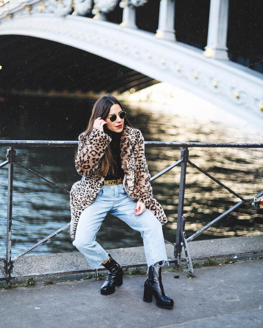 "3,358 curtidas, 42 comentários - Paula Ordovás (@mypeeptoes) no Instagram: ""From Paris with love today on #Mypeeptoes.com 🐅 #revolve"""