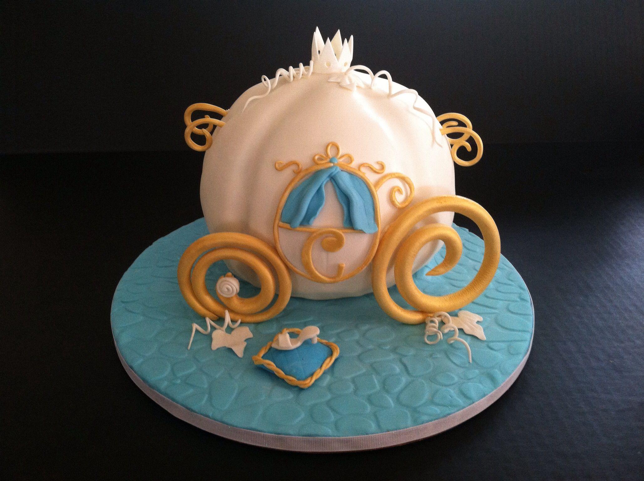 Pumpkin Coach Cake