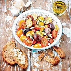 Правильный ужин . 7 примеров здоровых ужинов. Сохрани на стену чтобы не потерять! 1.Обычный омлет из смеси яиц и молока, к которому можно добавить несколько свежих помидоров или горсть любых заморожен...