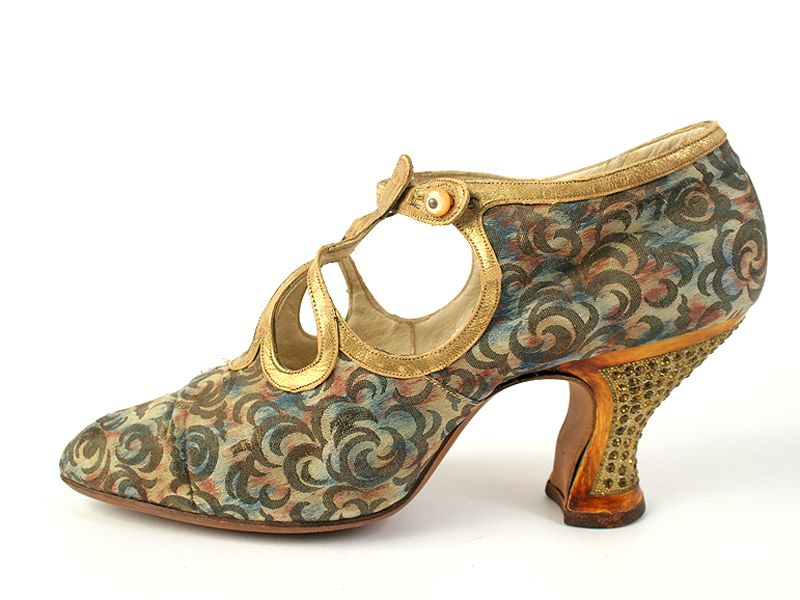 Evening Shoes, Laird, Schober & Co.: ca. 1920's, American, silk with leather straps and rhinestone heels, leather soles.