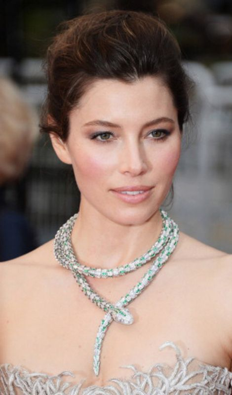 eyes with one of my favourite red carpet eye shadow ...