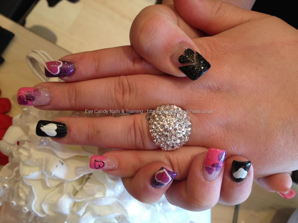 Black+white+and+pink+freehand+valentines+love+heart+nail+art+on+ ...