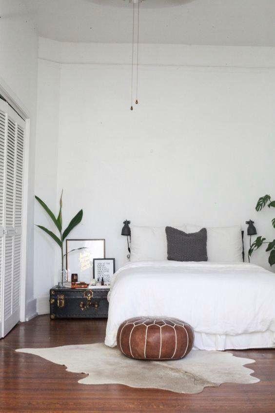 Bedroom ideas vintage simple mono-color