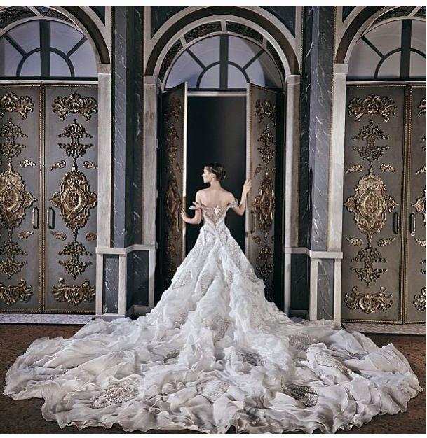 ♡ Inspiration for Bridal shoots and bridal fashion shoots with Adagio Images: www.adagio-images.com/wedding and www.facebook.com/adagioimages   #bridal #whitedress #bridalinspiration ♡