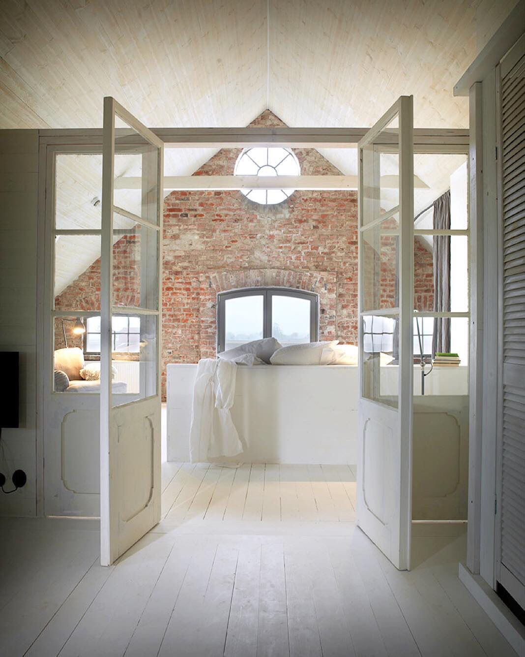 pinshawn harris on home  brick bathroom brick