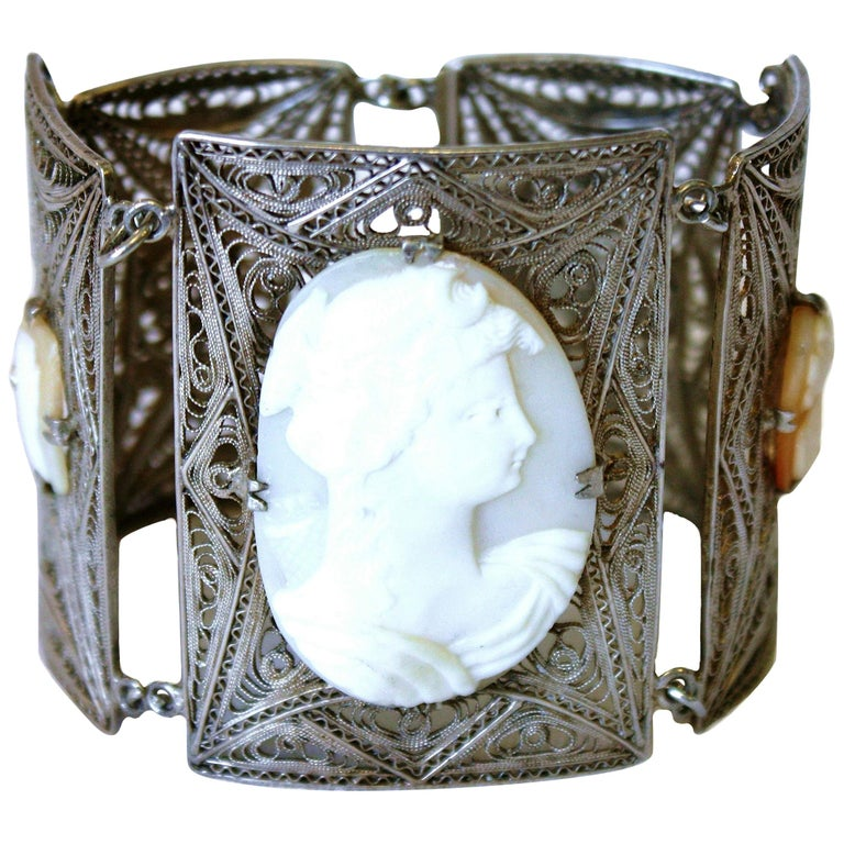 Continential Silver Cameo Bracelet C:1940/'s
