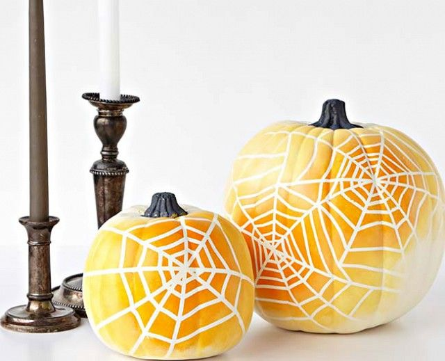 23 Totally Chic Ways to Decorate Your Pumpkins Pumpkin painting - ways to decorate for halloween