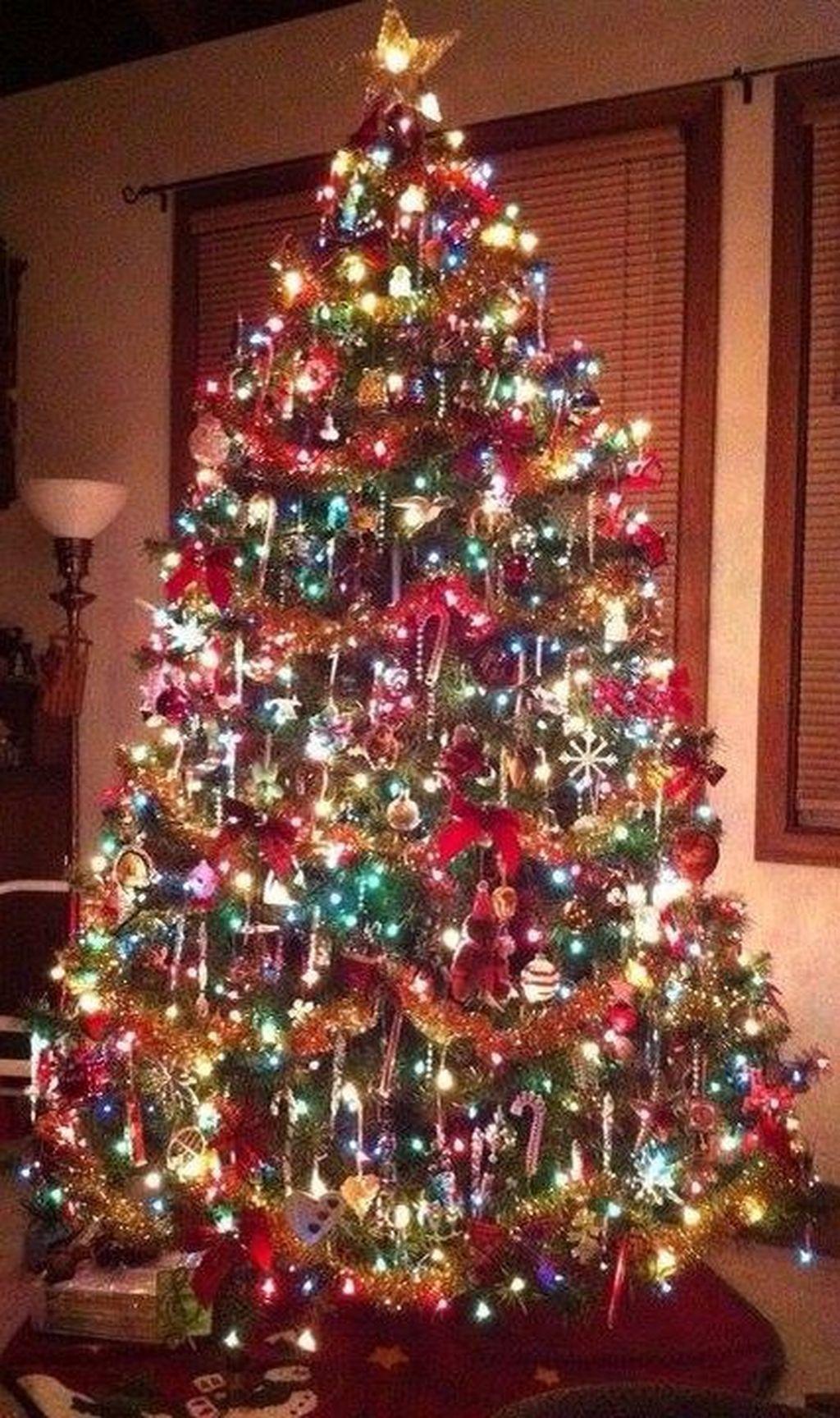 42 Amazing Christmas Lights Tree Decoration Ideas Pimphomee Christmas Tree Christmas Lights Vintage Christmas Tree