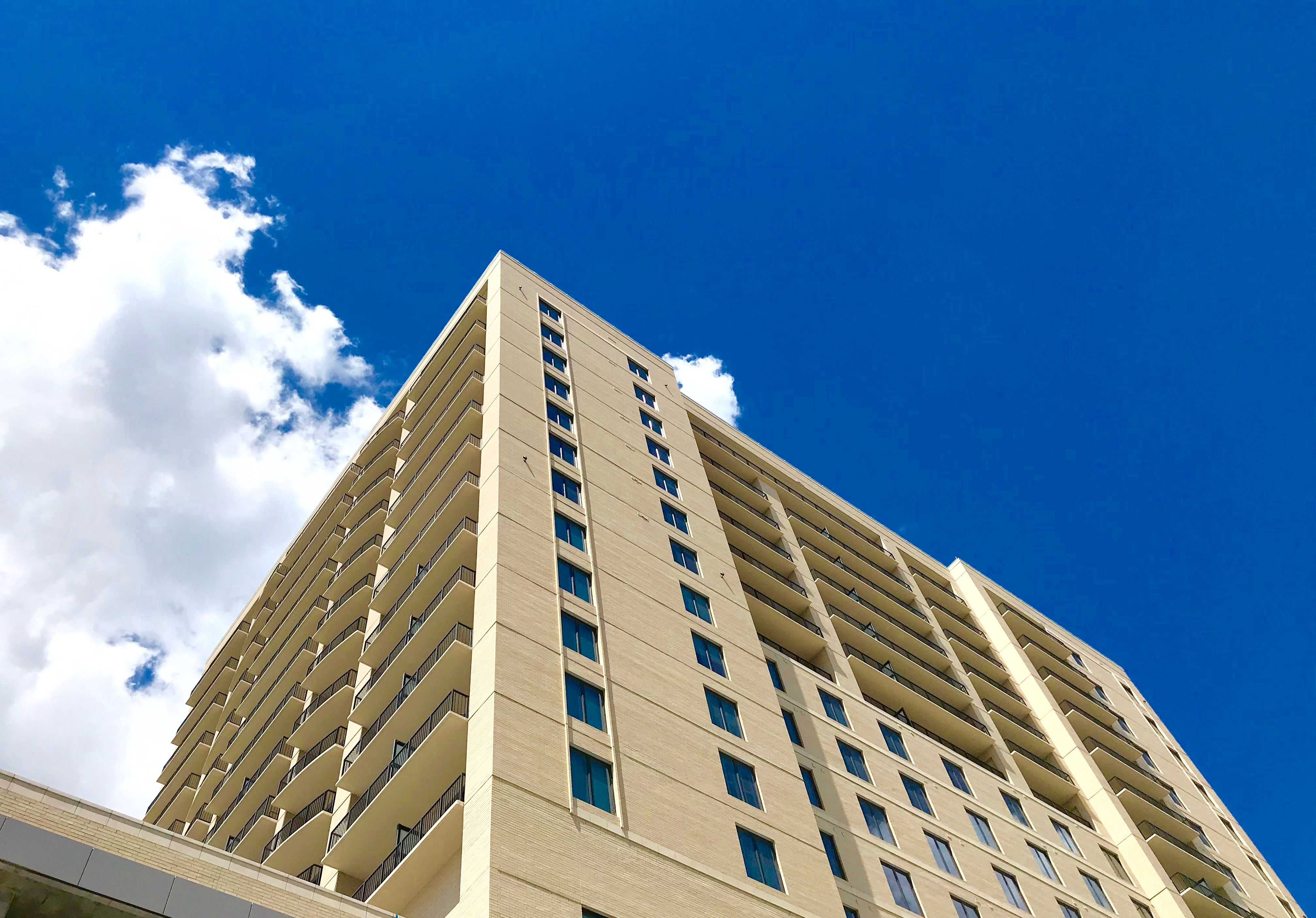 Luxury Houston Living At The Memorial City Domain Centre Areas 77024 Houston Apartment Finding Apartments Houston Galleria