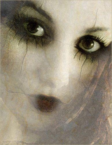 Lilya Corneli's photos will undoubtedly stir an emotion in you.