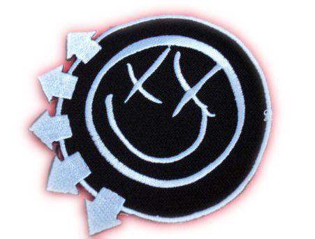 a50d4d7b969 BLINK 182 SMILEY FACE Logo Heavy Metal Band Music Iron On Patch Tshirt  Transfer Motif Applique Rock Punk Baseball Cap Hat Badge