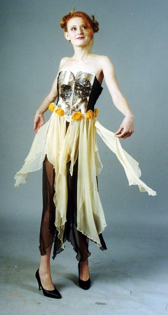 Платье: Оксана Бакеркина Фото: В. Пустовалов