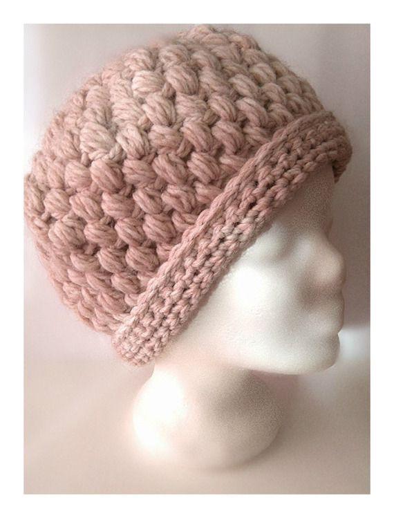 ebf4bdac6290 bonnet femme au crochet rose poudré laine mohair   bonnets écharpes ...
