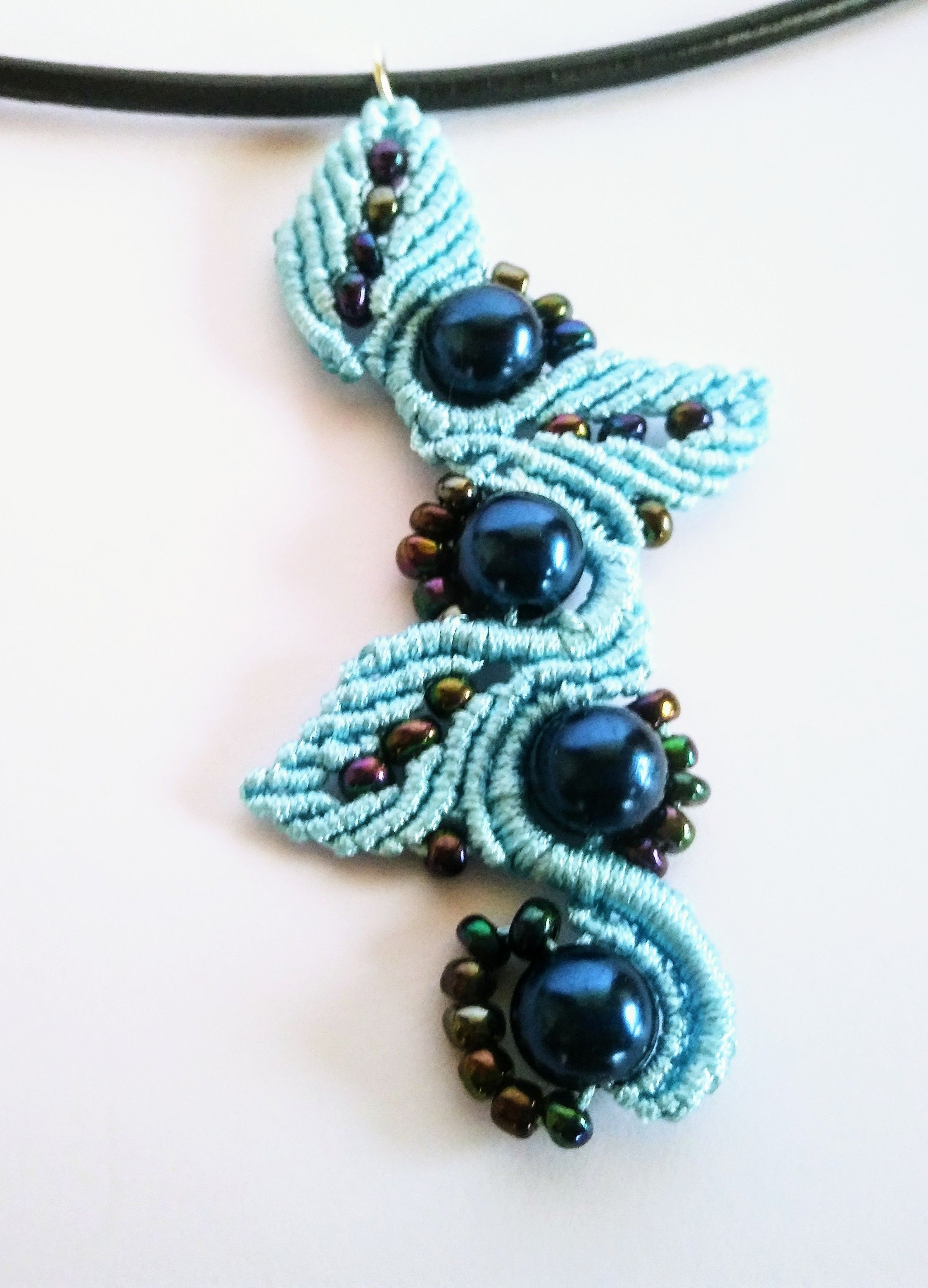9d8ab035054b Macrame pendnat with chech beads.   collares teidos   Collares