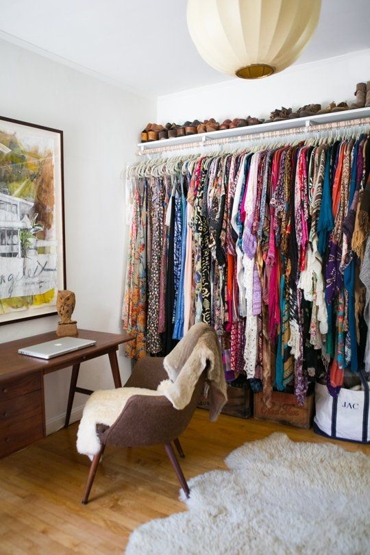 Gregory and jenny s relaxed hippie bungalow no closet - Room with no closet ...