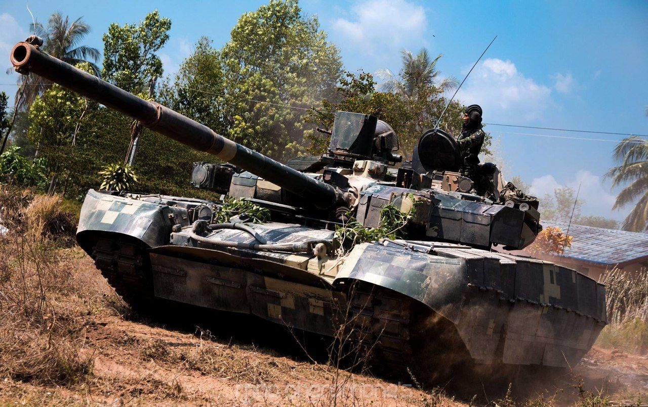 Reconnaissance vehicle armored light