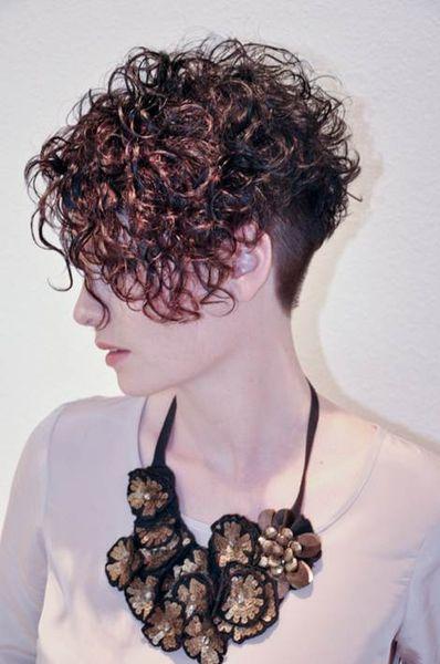 Luftgetrocknete Dauerwellen Nachher 02 Kurzes Haar