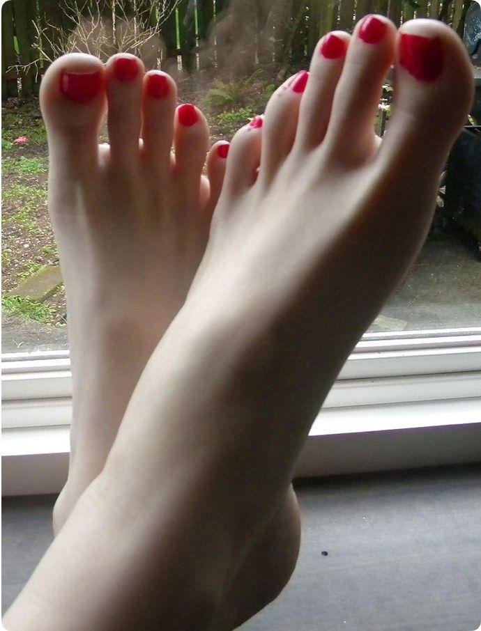 Частное фото пальчики на ногах 13