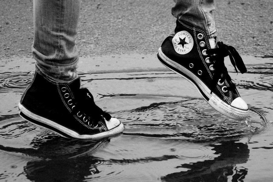 Lada roble escribir  Converse in the Rain by JenniLaSuper on deviantART | Converse, Converse all  star, Converse chuck taylor high top sneaker