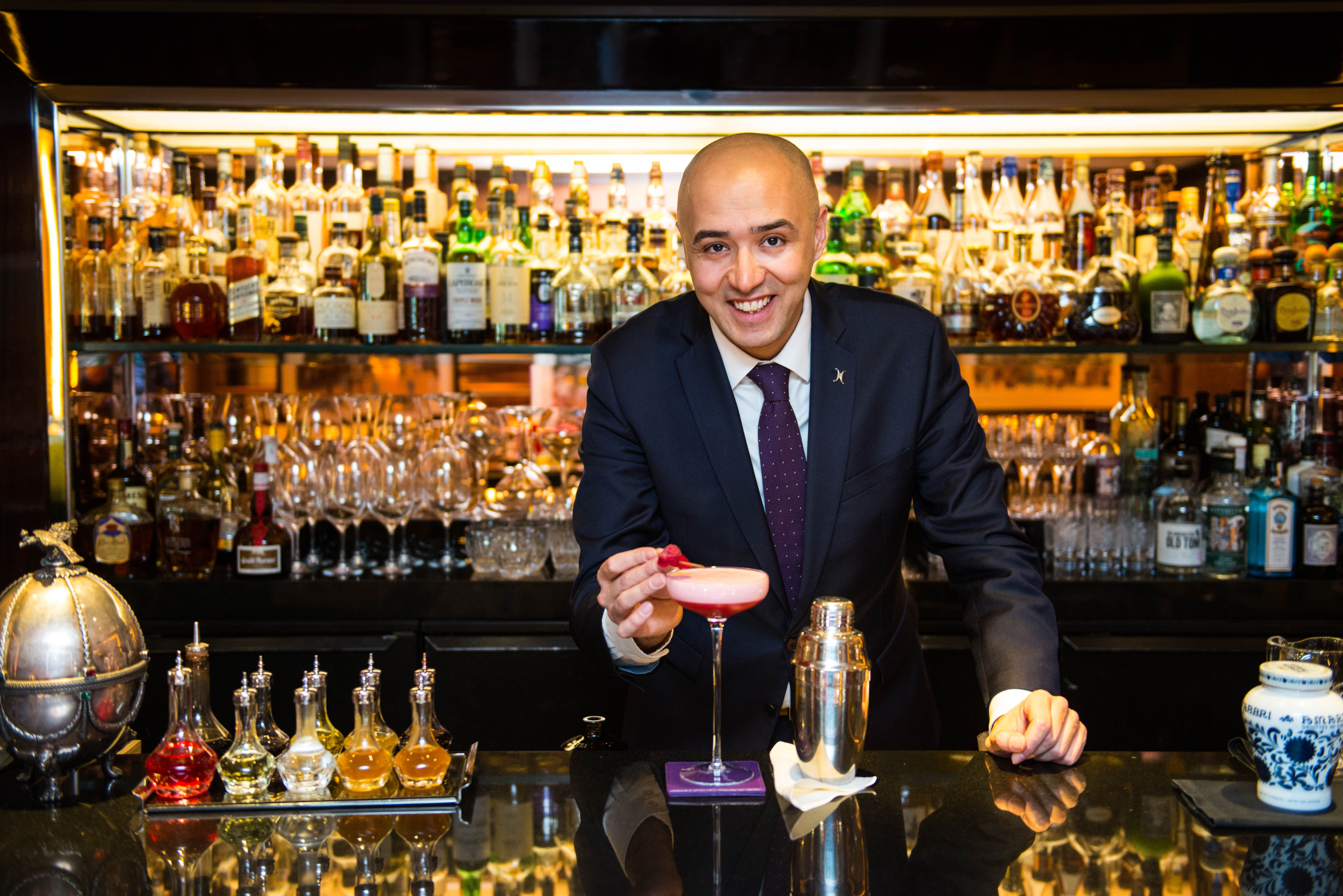 Explore Our London Moments Dorchester Collection Job Career Bartender Job Hunting
