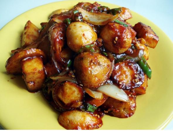 Spicy Stir-fried Fish Cake (어묵볶음)
