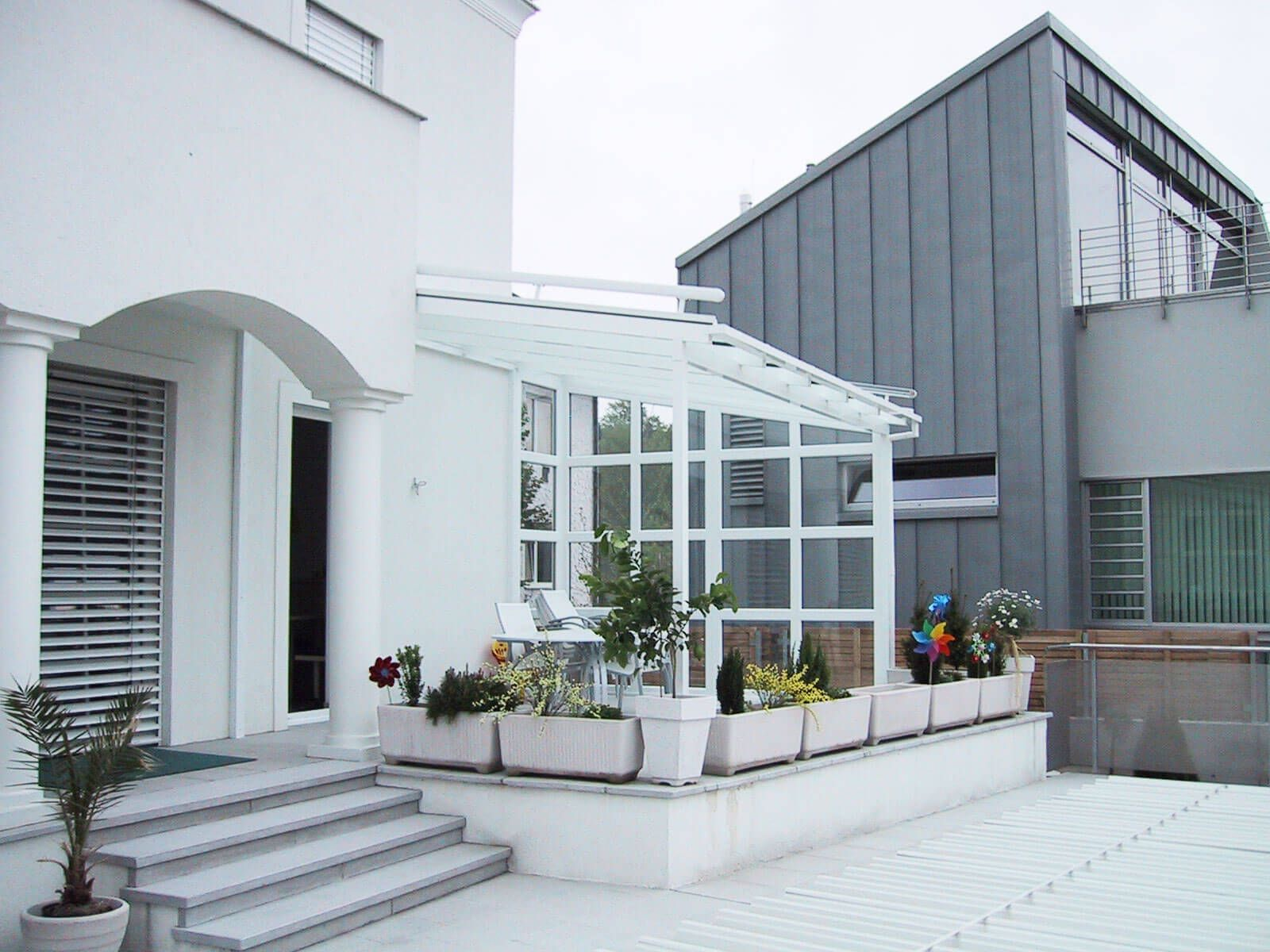 Terrassenüberdachung Alu Glas für Windgeschützte Terrassen & Balkone