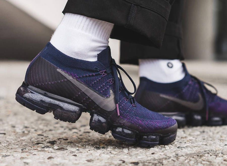 1ff17bc28cd Chaussure NikeLab Air Vapormax Flyknit Navy Night Purple