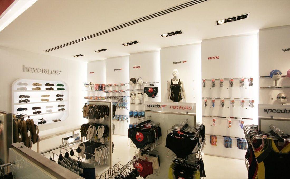 Home interior cloth store modern minimalist interior for Boutique interior design