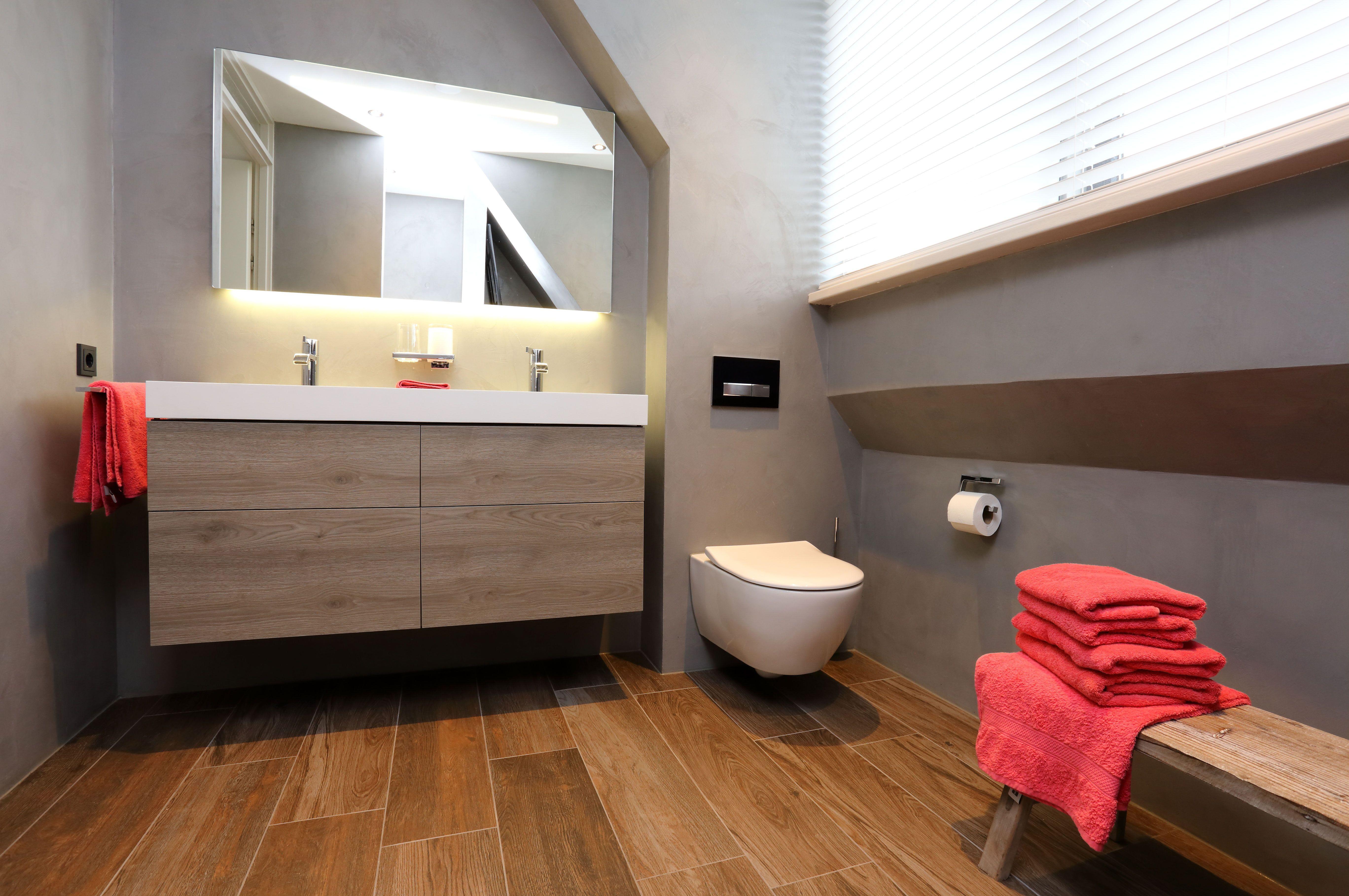 Voorbeeld van een gerealiseerde badkamer door Sanidrome het Badhuis ...