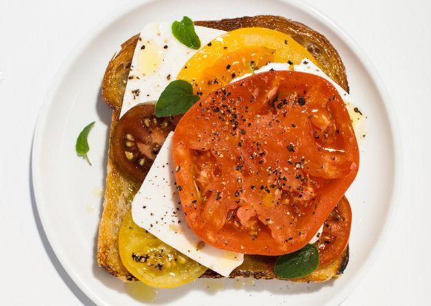 Tomato–Feta Open-Face Sandwich