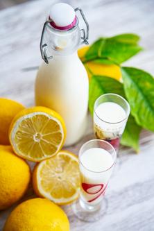 Zitronen-Creme-Likör, ein erfrischend-cremiger Likör aus dem Thermomix