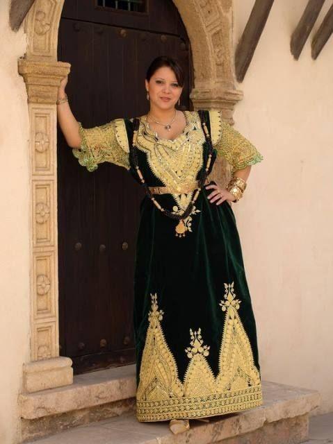 Robe blanche hijab algerie