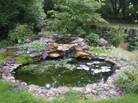 Garden Pond Designs on Running Water Gives A Whole New Dimension