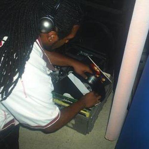 D J MOREFIYAH [#Dancehall Mix] - http://www.yardhype.com/d-j-morefiyah-dancehall-mix/
