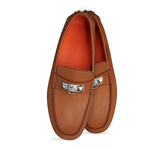 $1025 Hermes Irving Driving Moccasins Mens' driving moccasin in gold  calfskin, very supple,