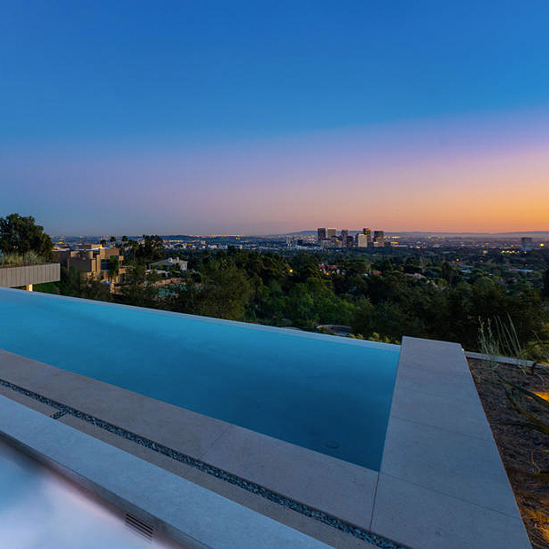 Infinity Pool And Los Angeles View From This Beverly Hills Mansion