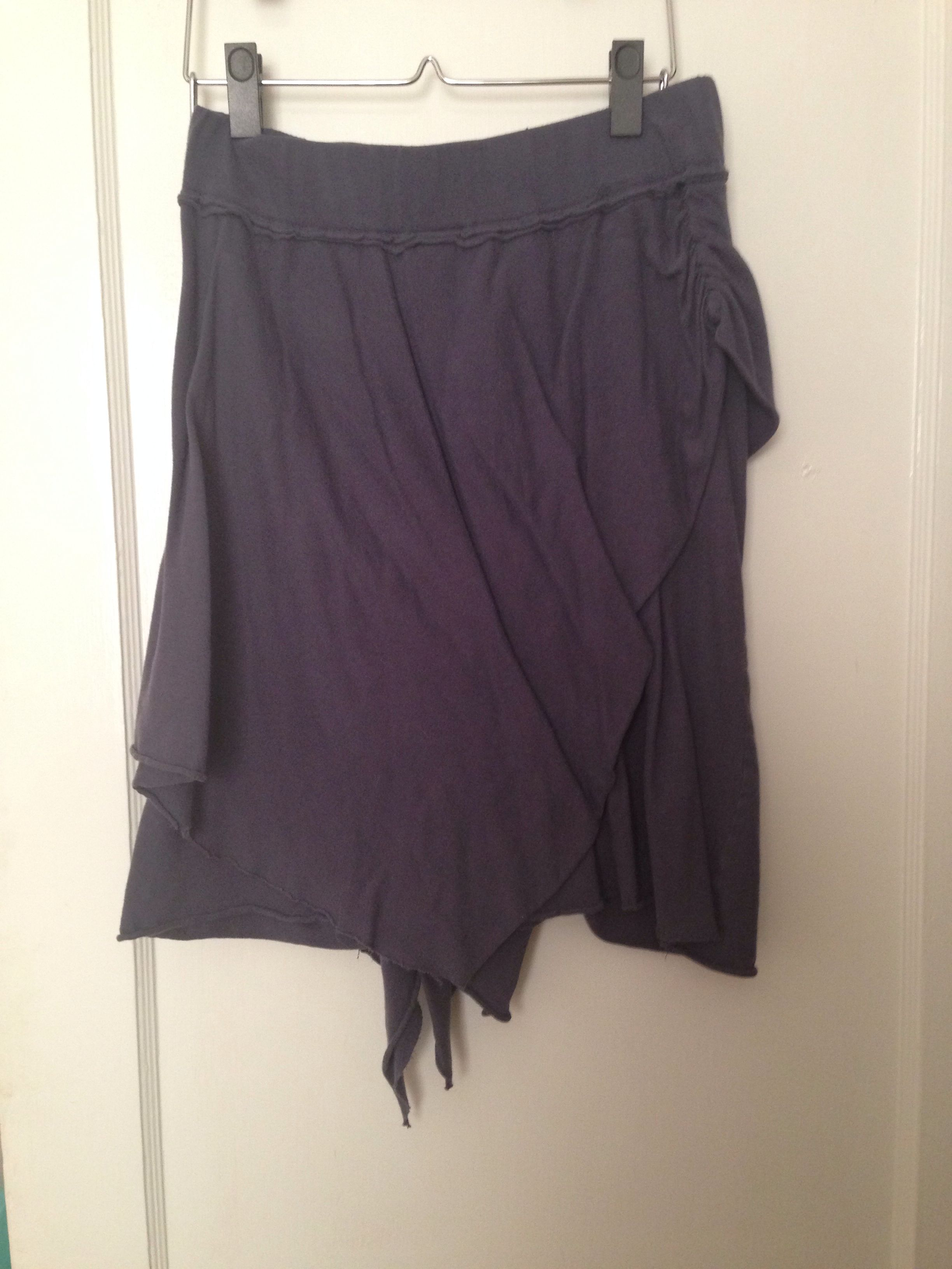 Xhiliration navy cotton jersey skirt size small