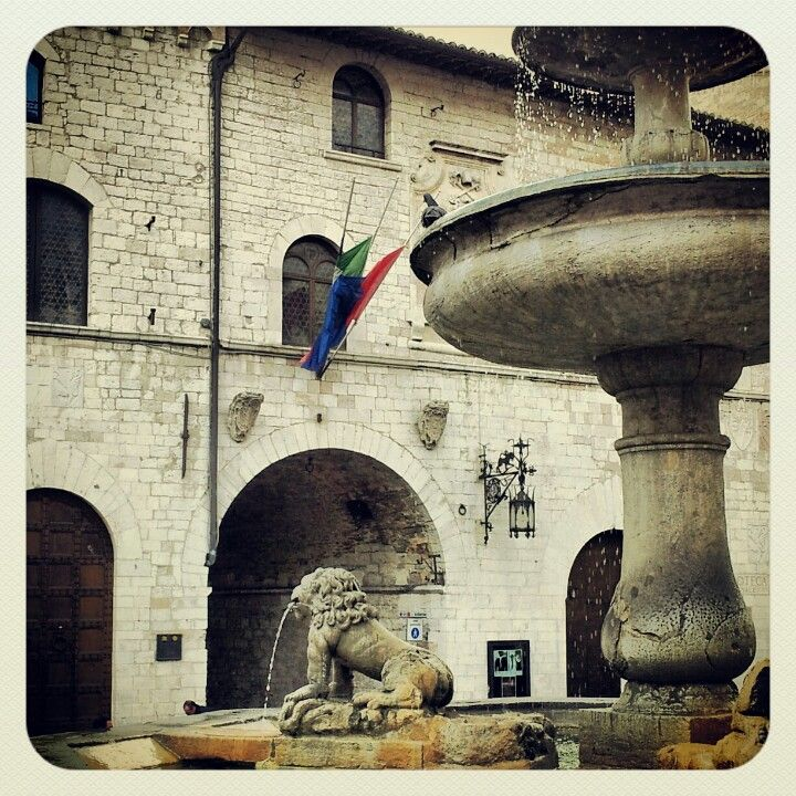 Assisi-Piazza