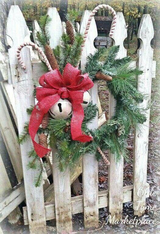 Pin By Joycegishwiller On Xmas Wreath S Outdoor Christmas Decorations Outdoor Christmas Christmas Porch