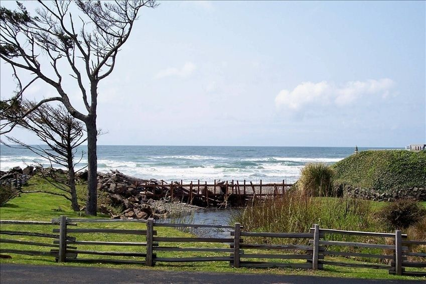 Arch Cape Oregon Home With Four Bedrooms Near Cannon Beach And Manzanita Might Be Better Choice For Availability Price