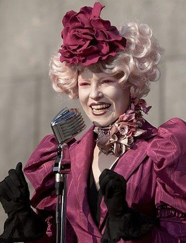 Elizabeth Banks As Effie Trinket In The Hunger Games Costumes By Judianna Makovsky Hunger Games Costume Hunger Games Fashion Hunger Games Effie